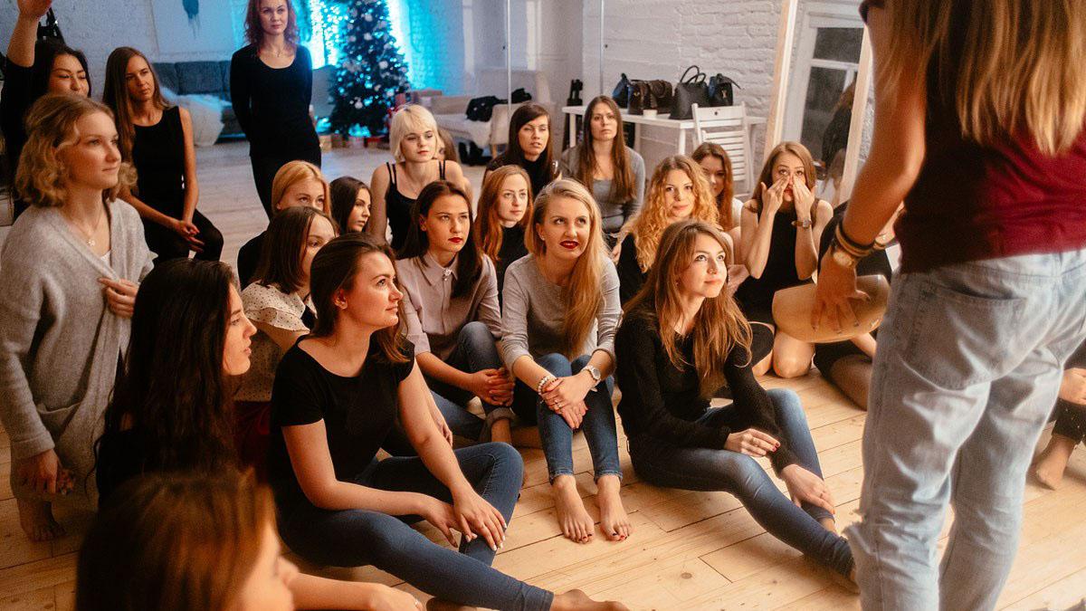 Работа для девушек в агентстве Fashion and Glamor