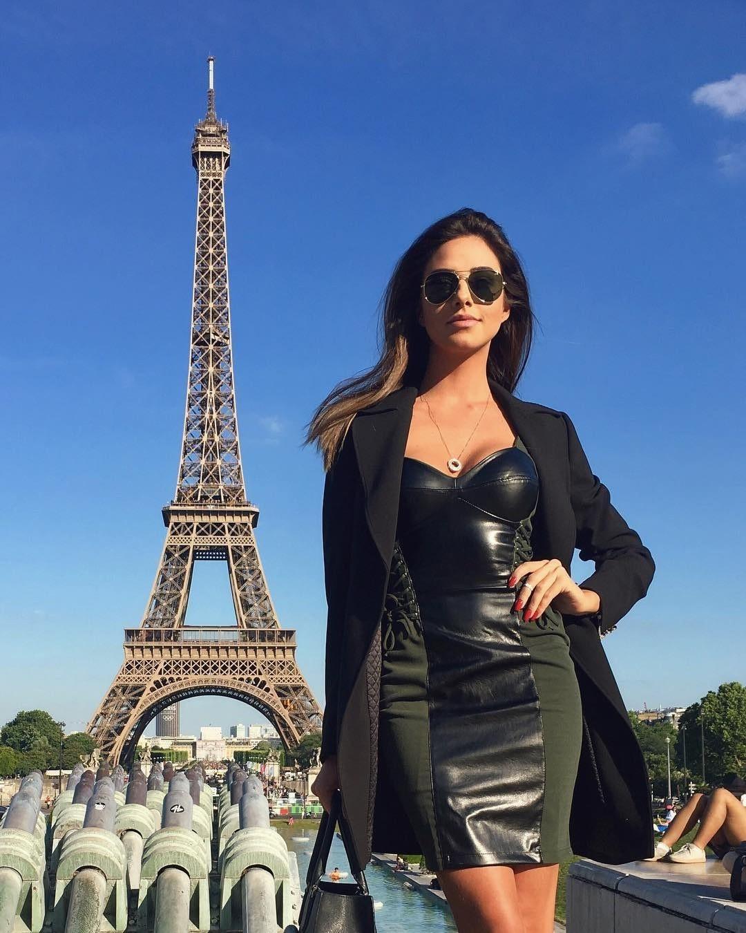 Работа для девушек в Париже